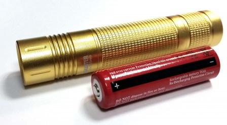 Ультрафиолетовый фонарик 365УФ
