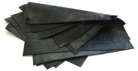 Резина для гравировки листовая 500*500мм толщина 2,4мм ( сажа,Россия)